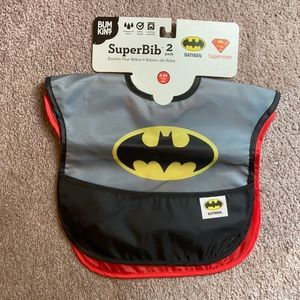 New 2 pack of bibs